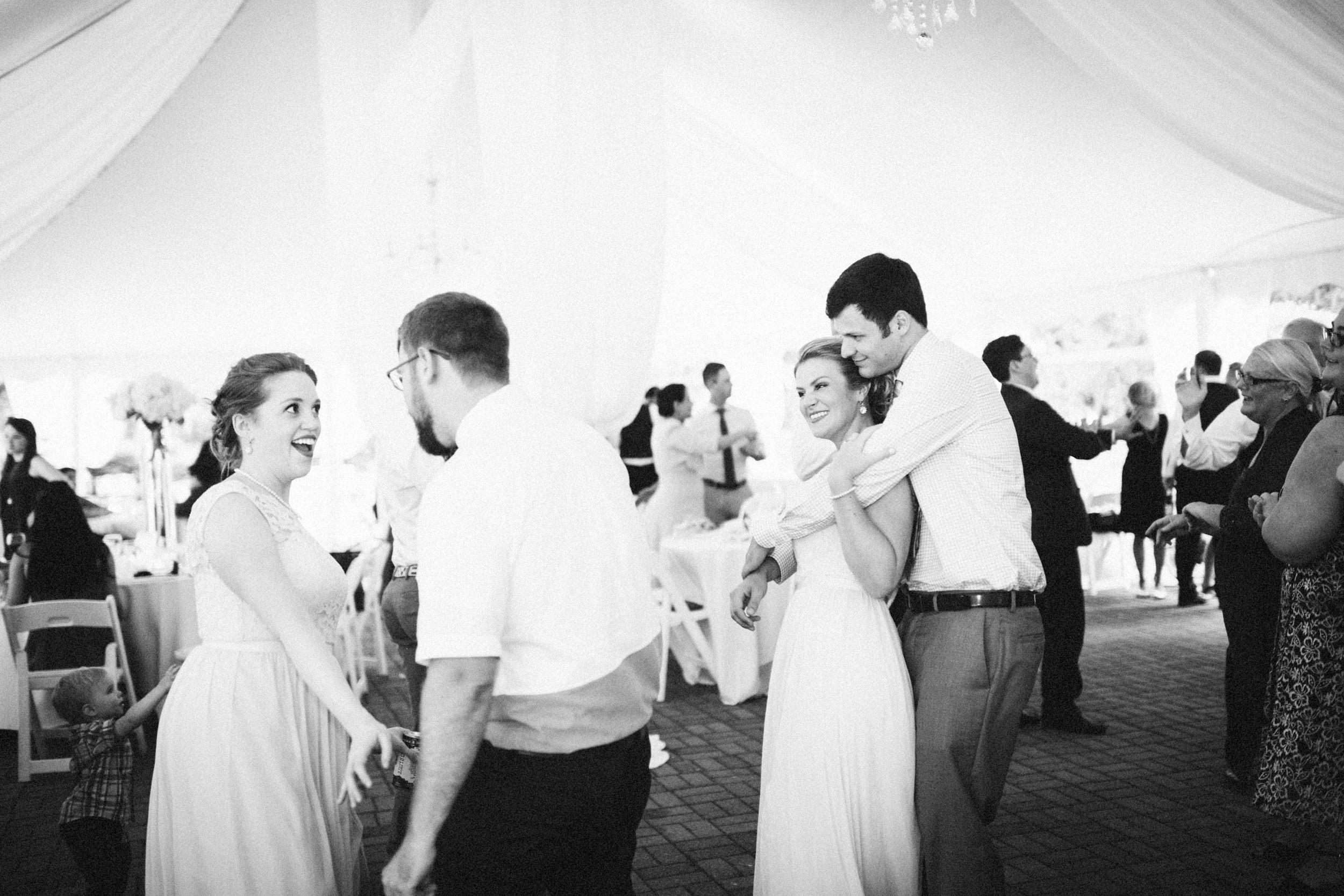 Louisville-Kentucky-Wedding-Elopement-Photographer-Sarah-Katherine-Davis-Photography-Whitehall-Classic-Timeless-Garden-Wedding-765.jpg