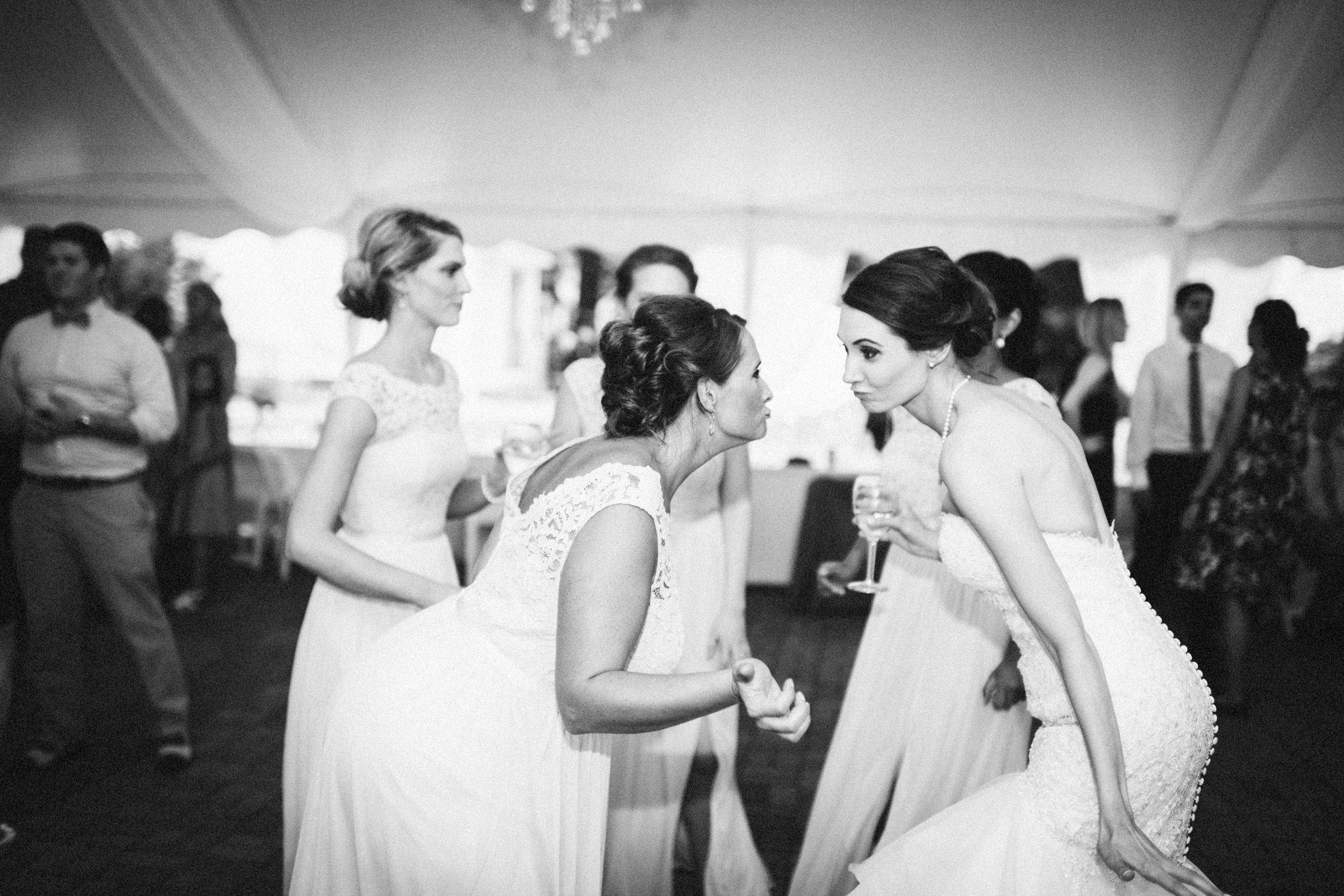 Louisville-Kentucky-Wedding-Elopement-Photographer-Sarah-Katherine-Davis-Photography-Whitehall-Classic-Timeless-Garden-Wedding-797.jpg