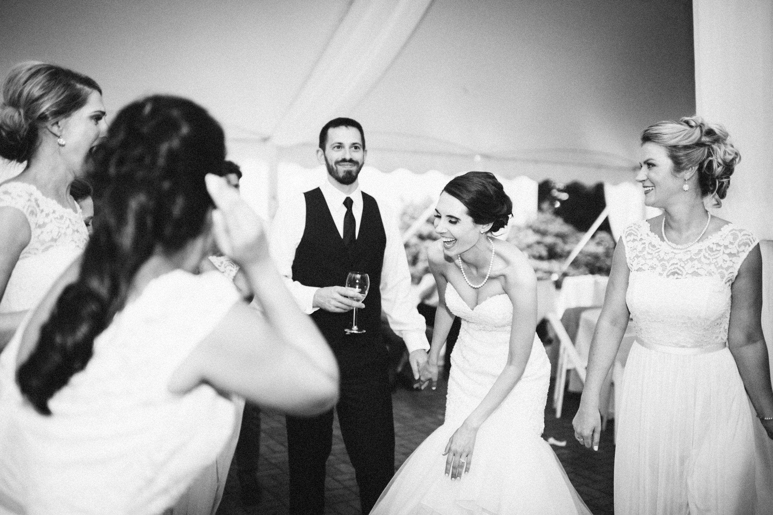 Louisville-Kentucky-Wedding-Elopement-Photographer-Sarah-Katherine-Davis-Photography-Whitehall-Classic-Timeless-Garden-Wedding-803.jpg