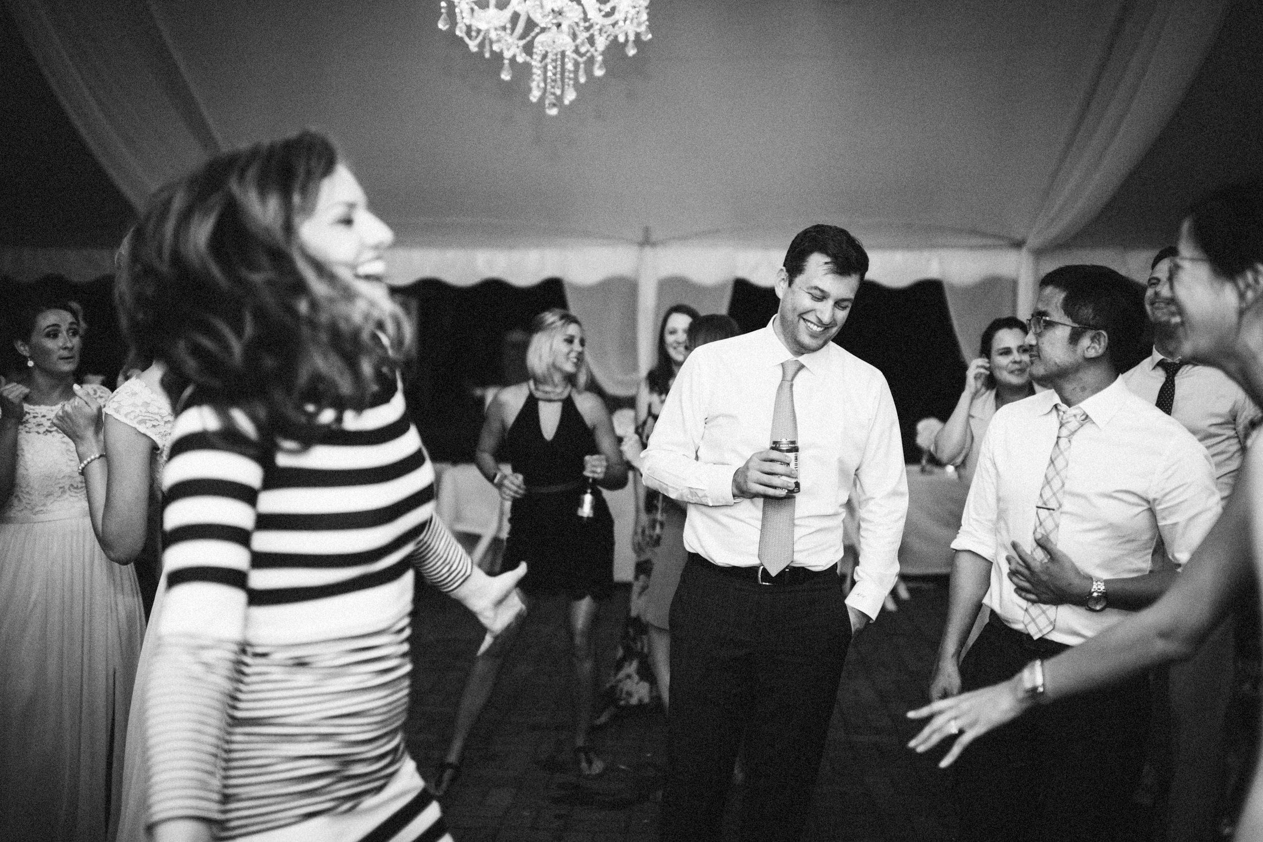 Louisville-Kentucky-Wedding-Elopement-Photographer-Sarah-Katherine-Davis-Photography-Whitehall-Classic-Timeless-Garden-Wedding-850.jpg