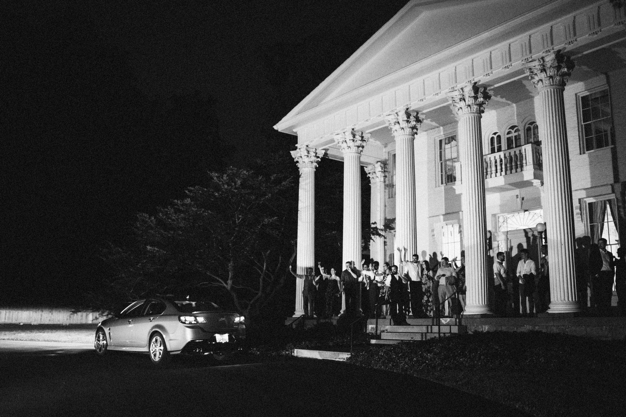 Louisville-Kentucky-Wedding-Elopement-Photographer-Sarah-Katherine-Davis-Photography-Whitehall-Classic-Timeless-Garden-Wedding-895.jpg