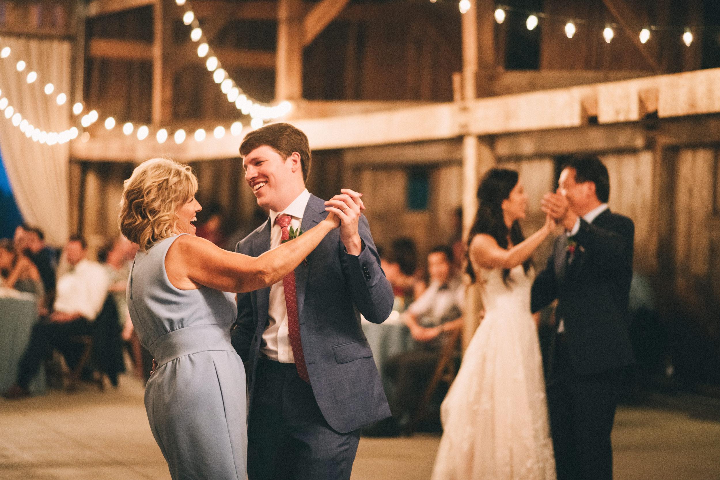 Louisville-Kentucky-Wedding-and-Elopement-Photographer-Sarah-Katherine-Davis-Photography-Summer-Jewel-Toned-Wedding-Chineese-Tea-Ceremony-Warrenwood-Manor-Danville-942.jpg