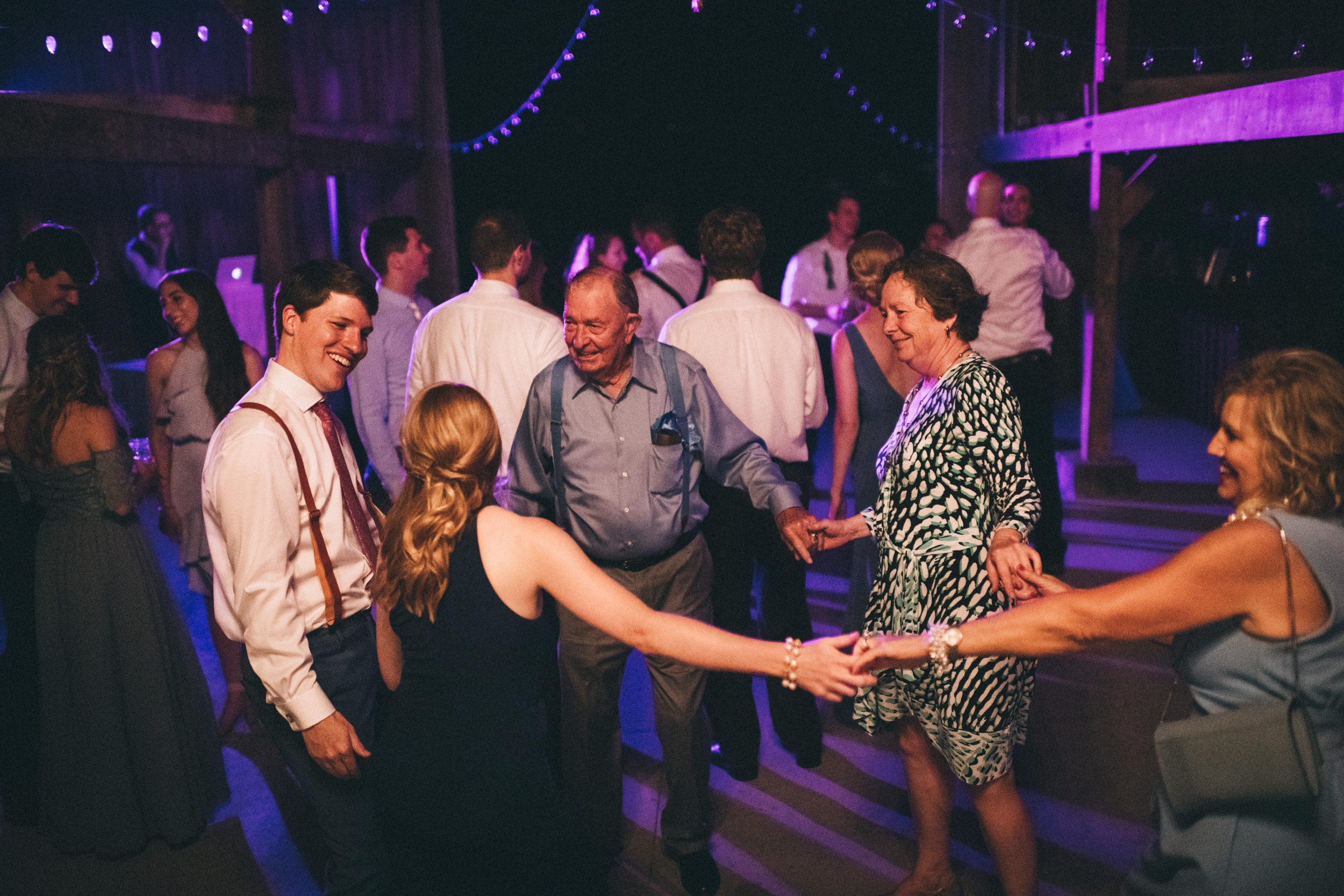 Louisville-Kentucky-Wedding-and-Elopement-Photographer-Sarah-Katherine-Davis-Photography-Summer-Jewel-Toned-Wedding-Chineese-Tea-Ceremony-Warrenwood-Manor-Danville-1048.jpg