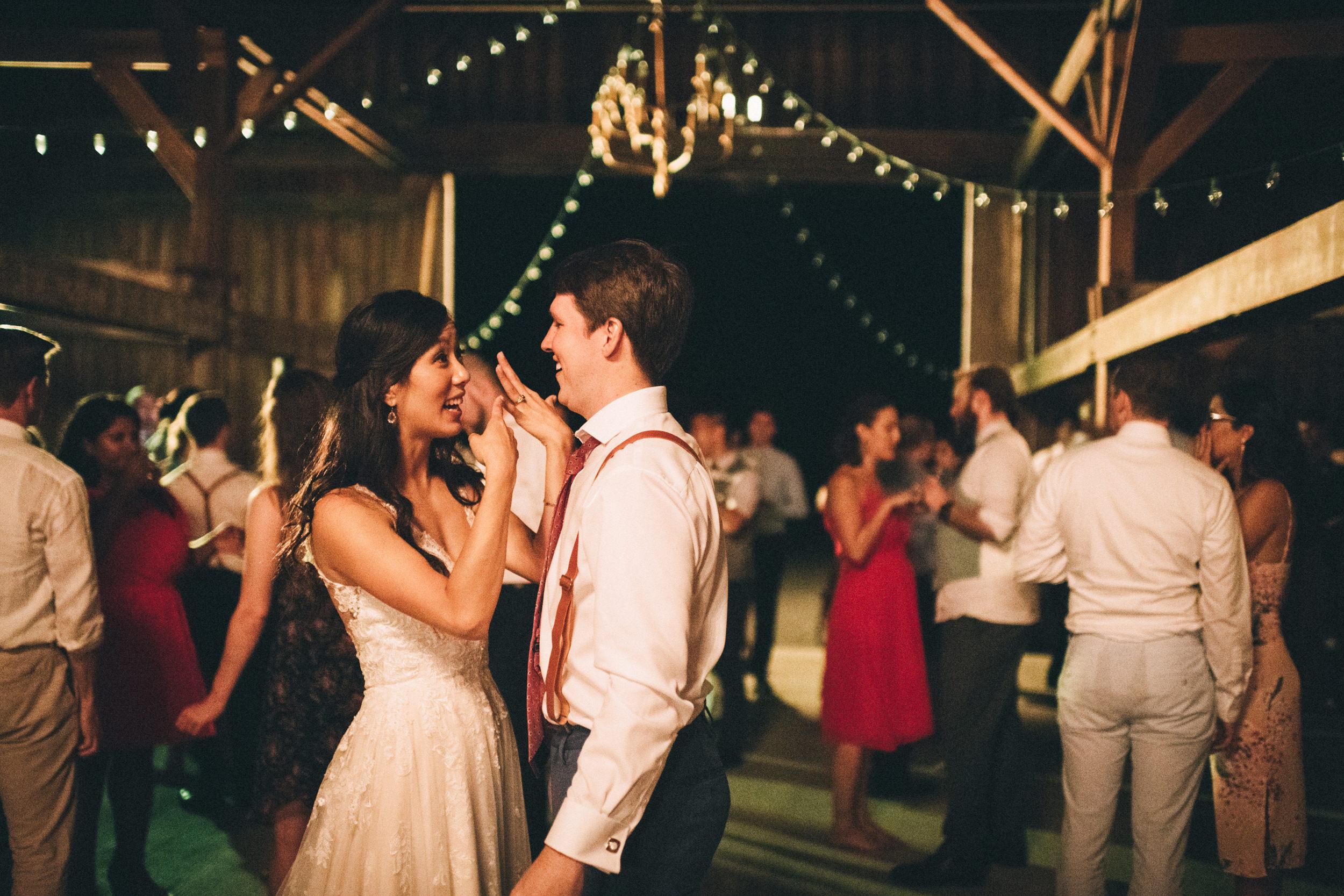 Louisville-Kentucky-Wedding-and-Elopement-Photographer-Sarah-Katherine-Davis-Photography-Summer-Jewel-Toned-Wedding-Chineese-Tea-Ceremony-Warrenwood-Manor-Danville-1107.jpg