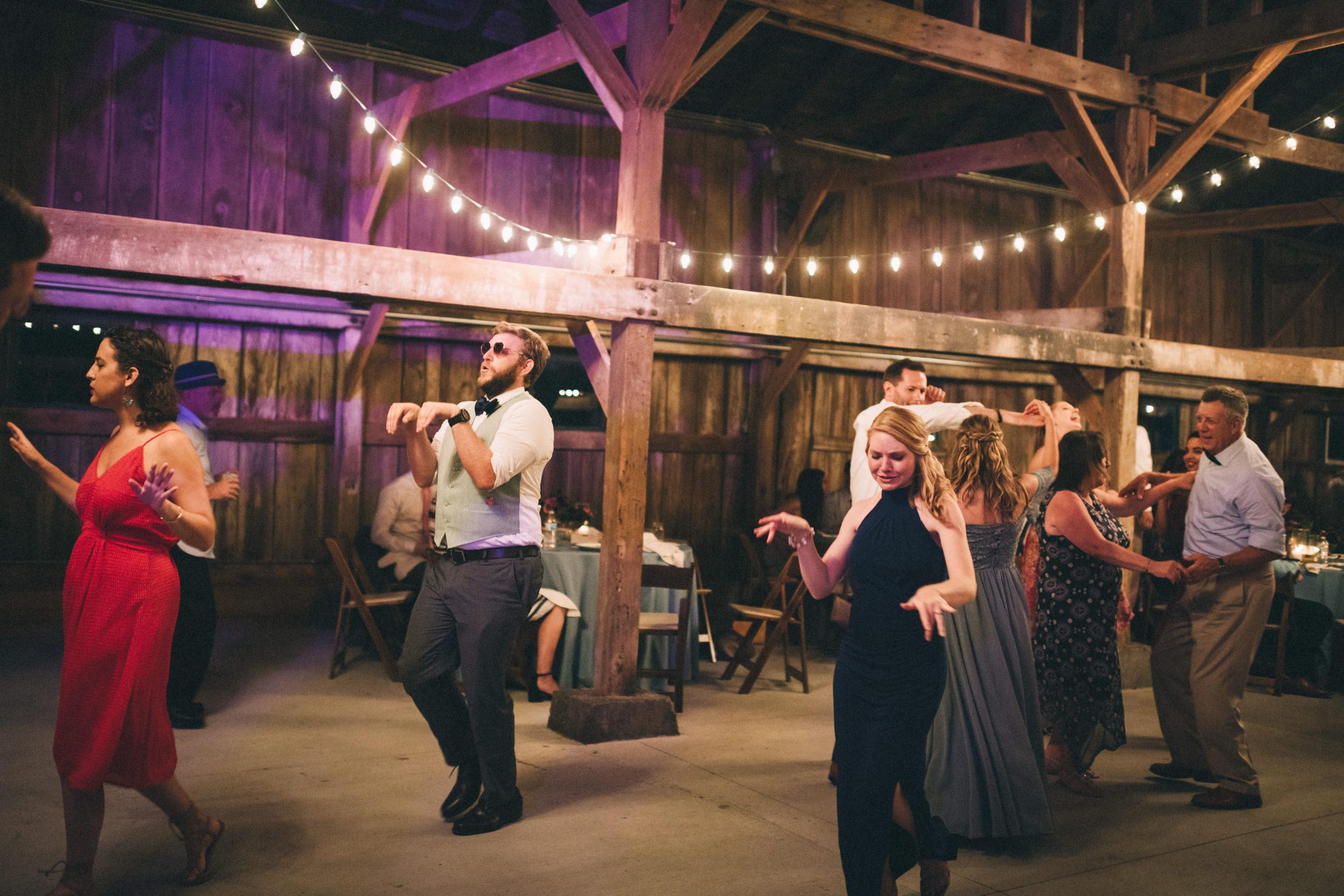 Louisville-Kentucky-Wedding-and-Elopement-Photographer-Sarah-Katherine-Davis-Photography-Summer-Jewel-Toned-Wedding-Chineese-Tea-Ceremony-Warrenwood-Manor-Danville-961.jpg