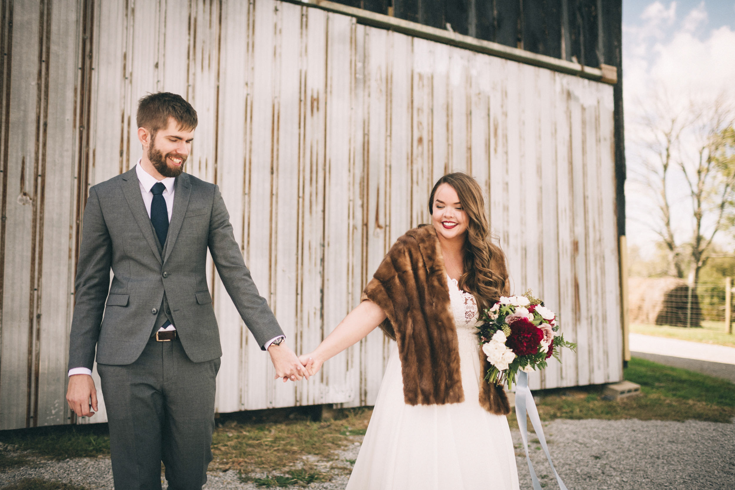 Maggie-Corey-Fall-Wedding-Barn-At-Twin-Lakes-Louisville-By-Kentucky-Wedding-Elopement-Photographer-Sarah-Katherine-Davis-Photography-200edit.jpg