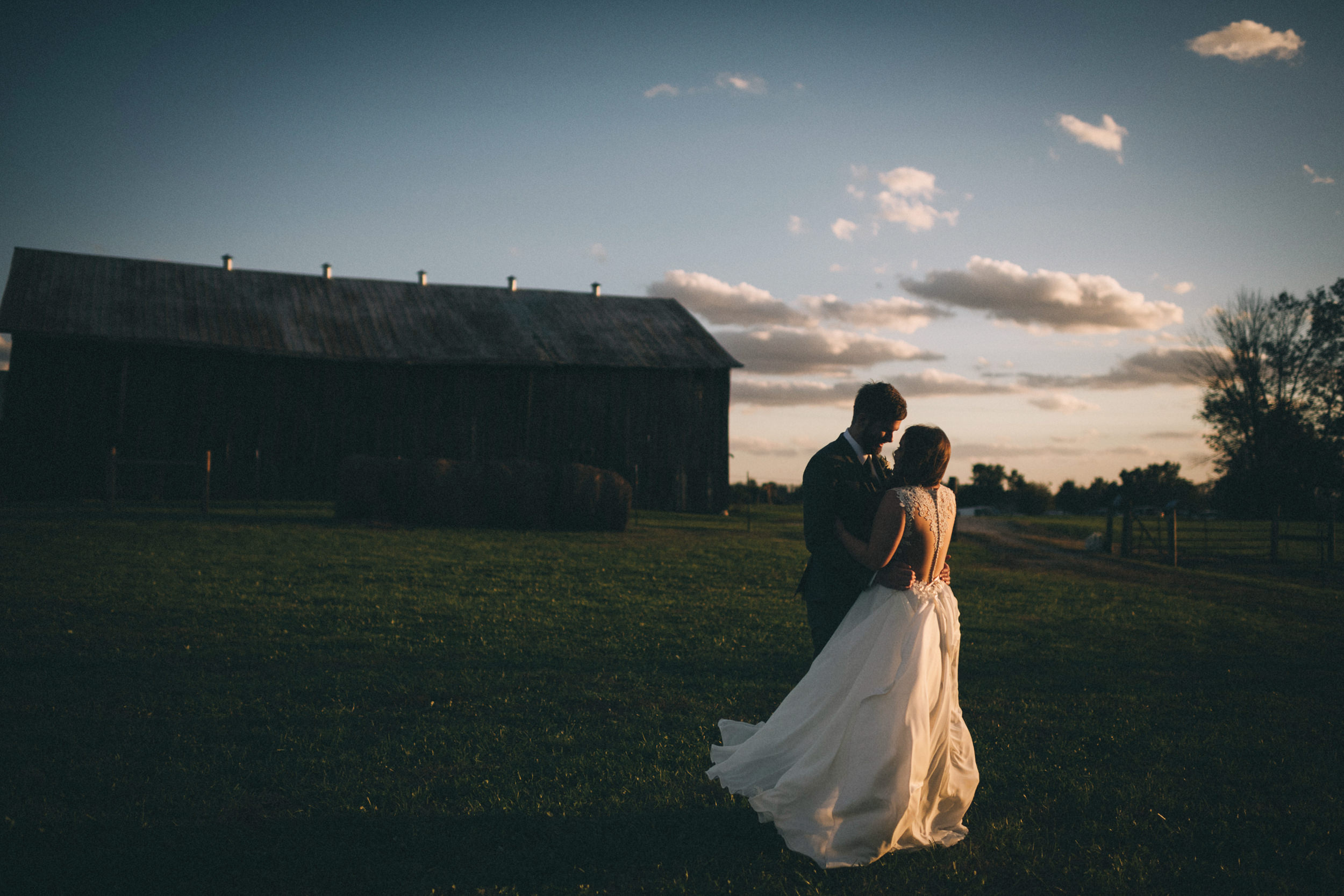 Maggie-Corey-Fall-Wedding-Barn-At-Twin-Lakes-Louisville-By-Kentucky-Wedding-Elopement-Photographer-Sarah-Katherine-Davis-Photography-663edit.jpg