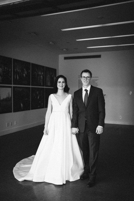 Jessica-Arno-Intimate-21c-Museum-Louisville-Kentucky-Wedding-By-Sarah-Katherine-Davis-Photography-158bw.jpg