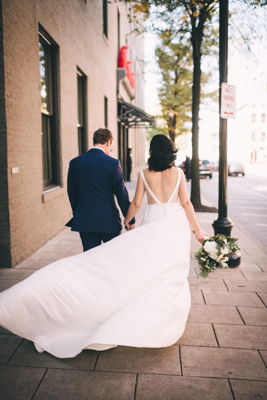 Jessica-Arno-Intimate-21c-Museum-Louisville-Kentucky-Wedding-By-Sarah-Katherine-Davis-Photography-169edit.jpg
