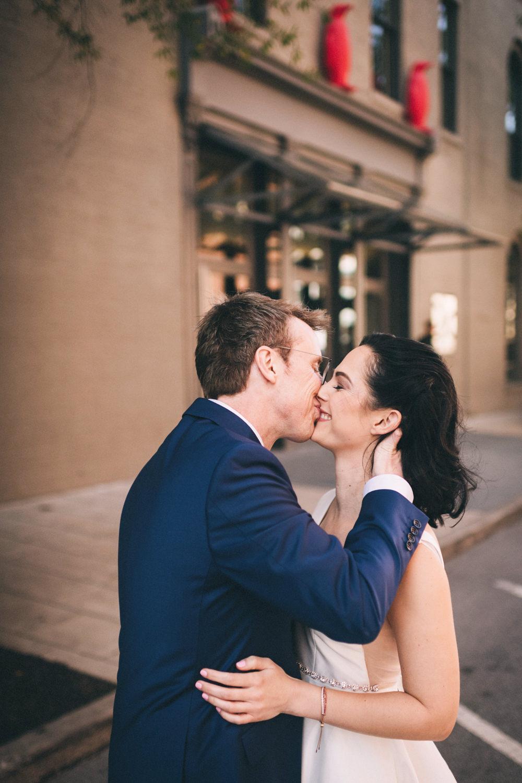 Jessica-Arno-Intimate-21c-Museum-Louisville-Kentucky-Wedding-By-Sarah-Katherine-Davis-Photography-191edit.jpg