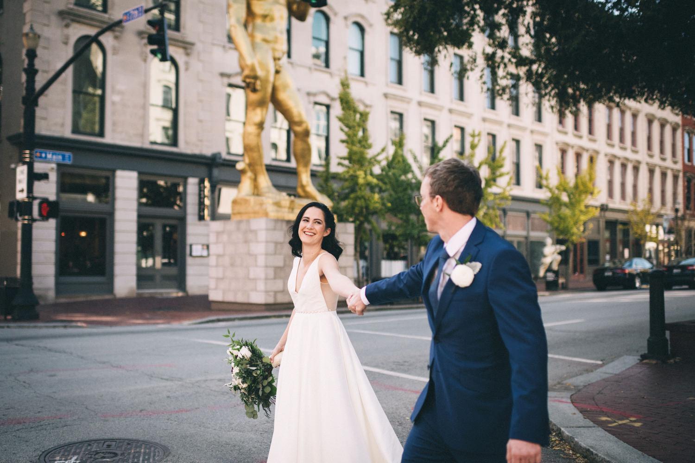 Jessica-Arno-Intimate-21c-Museum-Louisville-Kentucky-Wedding-By-Sarah-Katherine-Davis-Photography-210edit.jpg