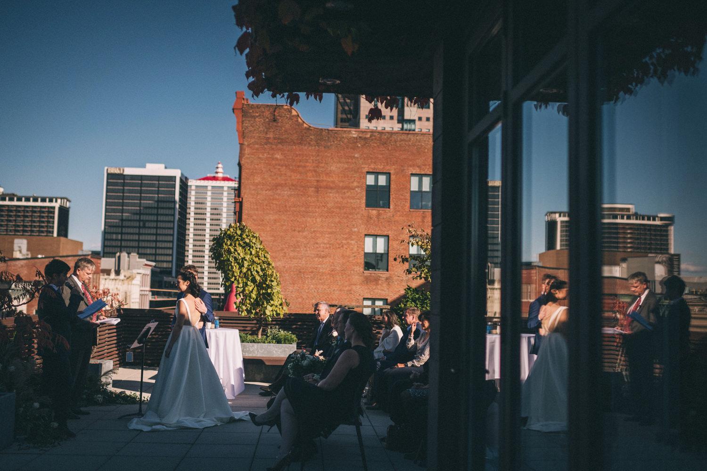 Jessica-Arno-Intimate-21c-Museum-Louisville-Kentucky-Wedding-By-Sarah-Katherine-Davis-Photography-321edit.jpg
