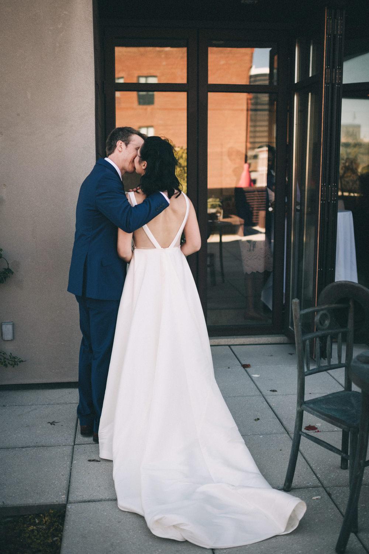 Jessica-Arno-Intimate-21c-Museum-Louisville-Kentucky-Wedding-By-Sarah-Katherine-Davis-Photography-407edit.jpg