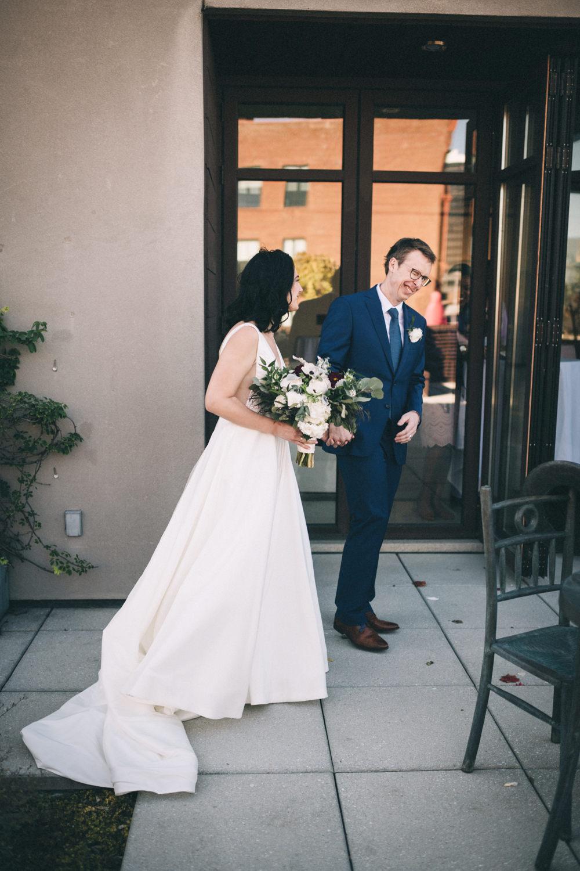 Jessica-Arno-Intimate-21c-Museum-Louisville-Kentucky-Wedding-By-Sarah-Katherine-Davis-Photography-413edit.jpg