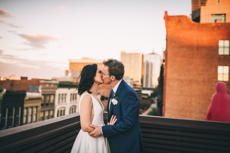 Jessica-Arno-Intimate-21c-Museum-Louisville-Kentucky-Wedding-By-Sarah-Katherine-Davis-Photography-554edit.jpg