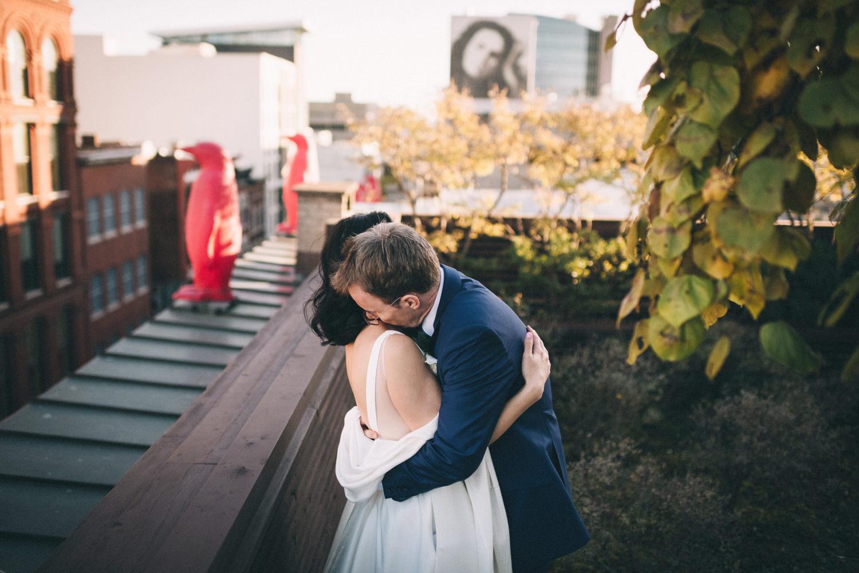 Jessica-Arno-Intimate-21c-Museum-Louisville-Kentucky-Wedding-By-Sarah-Katherine-Davis-Photography-512edit.jpg