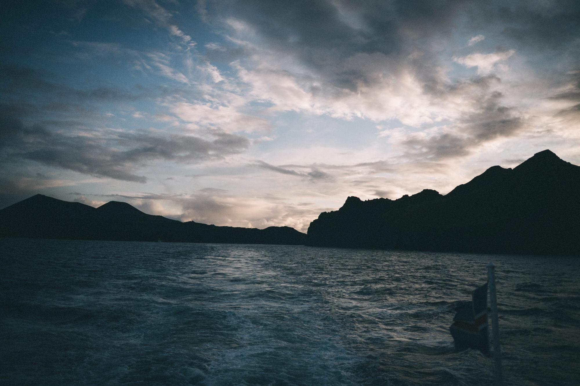 Sarah-Katherine-Davis-Photography-Iceland-Adventure-Elopement-Photographer-Louisville-Kentucky-Wedding-Photographer-Travel-Vik-Beach-Engagement-Session-Cozy-Iceland-South-Coast-511edit.jpg