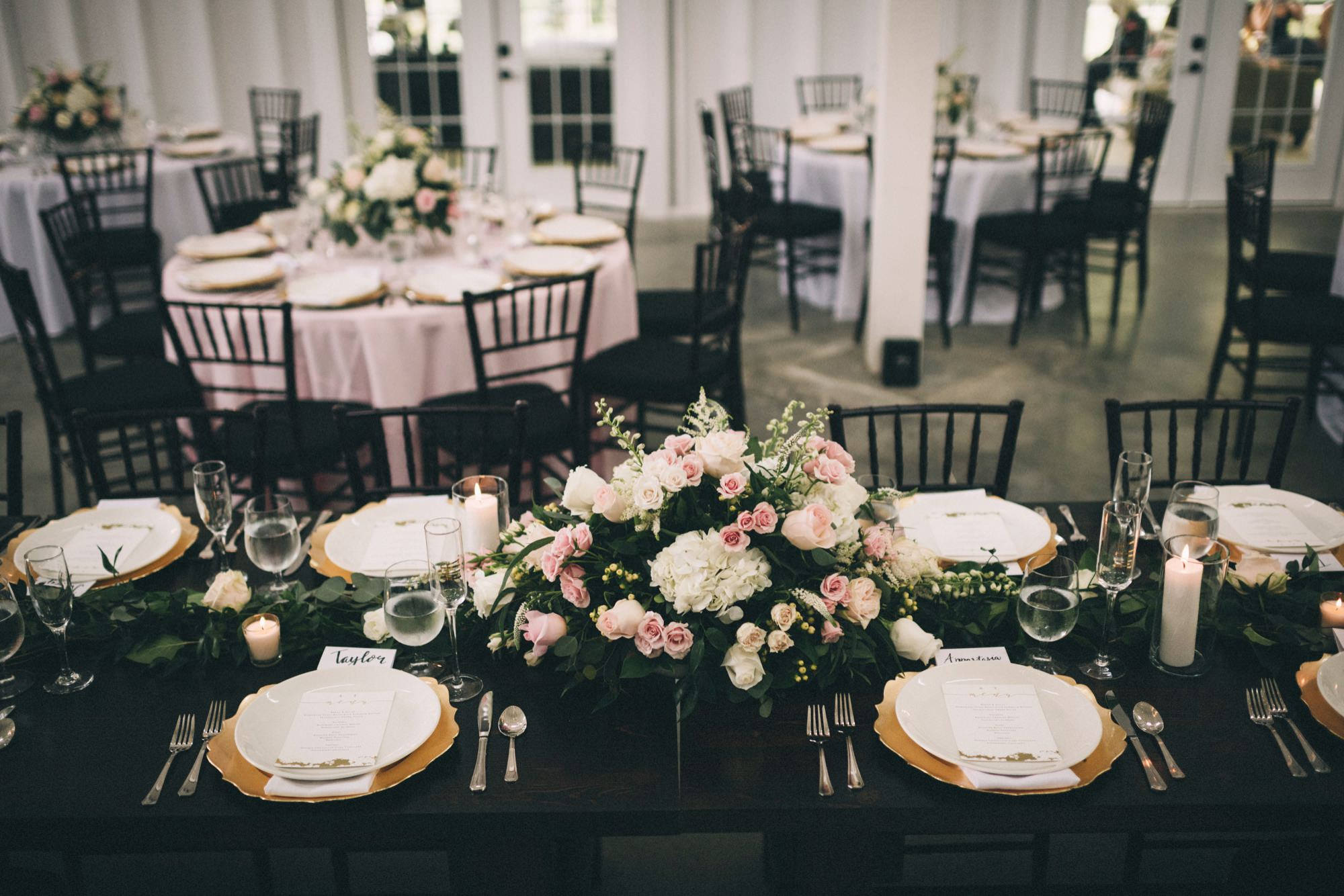 Romantic & Modern Historic Wedding at Kentucky's Ashford Acres Inn by Sarah Katherine Davis Photography