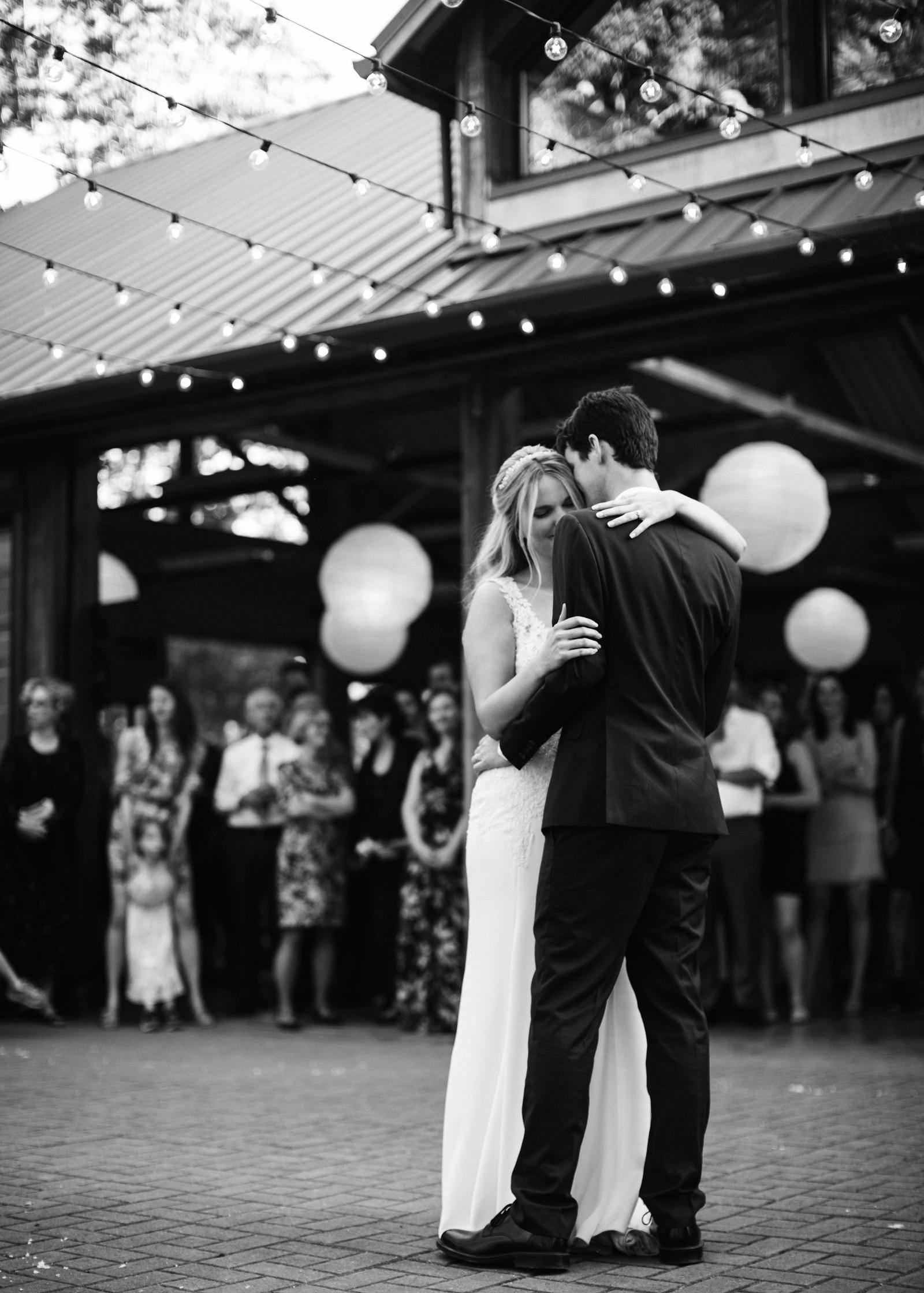 109-daronjackson-rachel-michael-wedding-mtpisgah.jpg