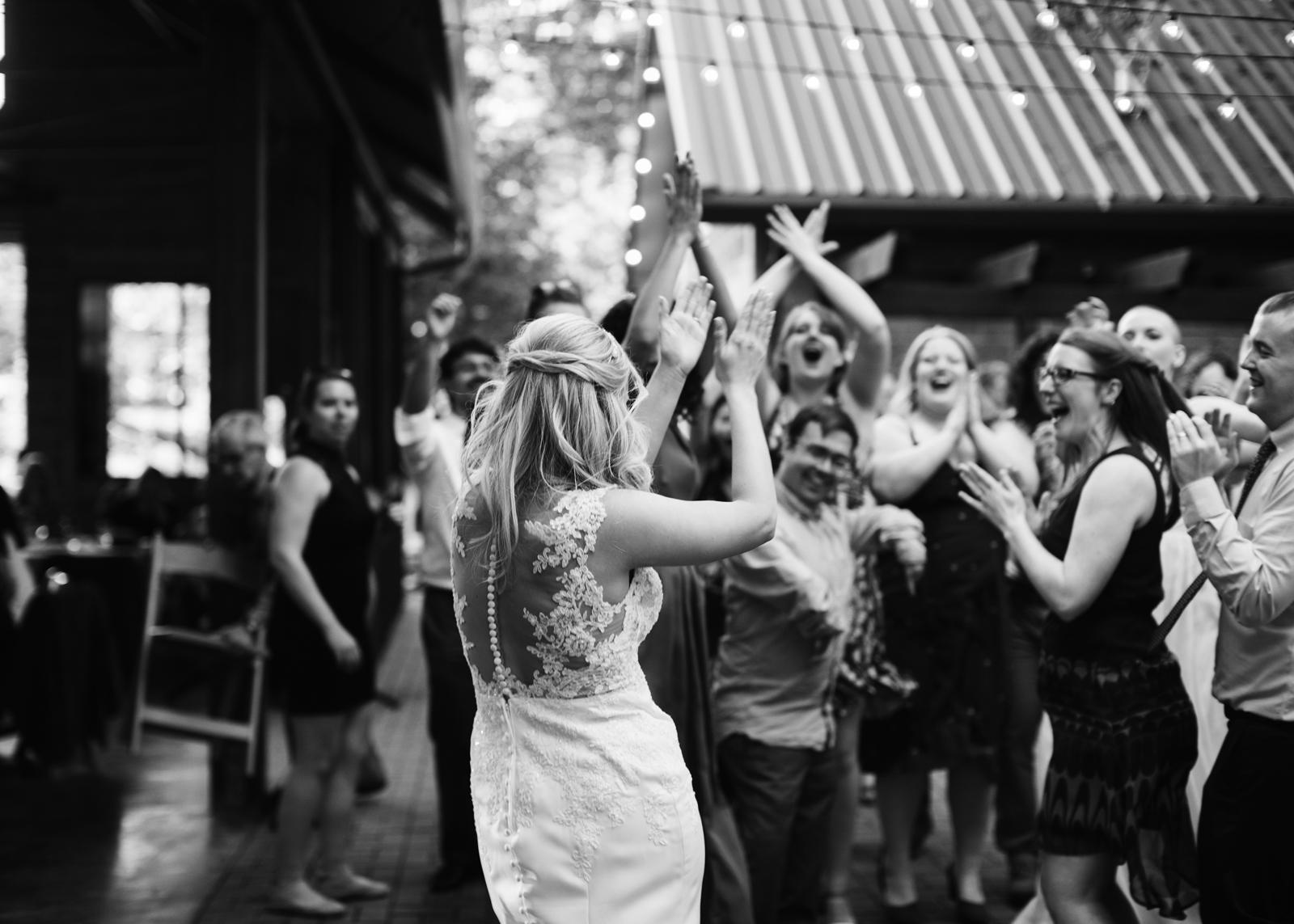 137-daronjackson-rachel-michael-wedding-mtpisgah.jpg