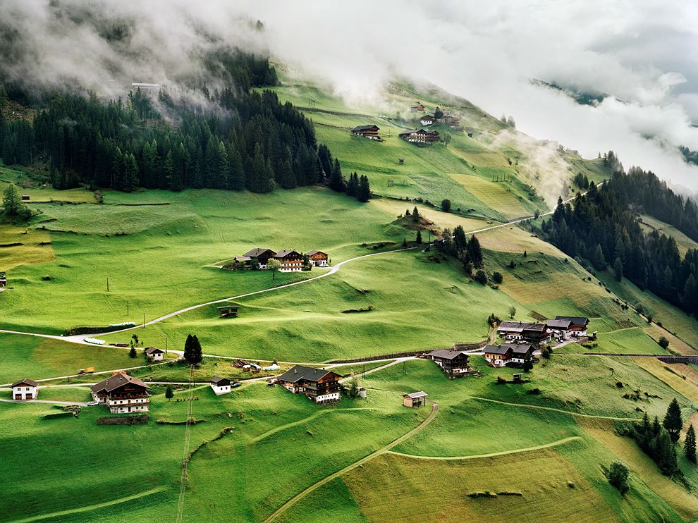 village-tyrol-austria_61647_990x742.jpg