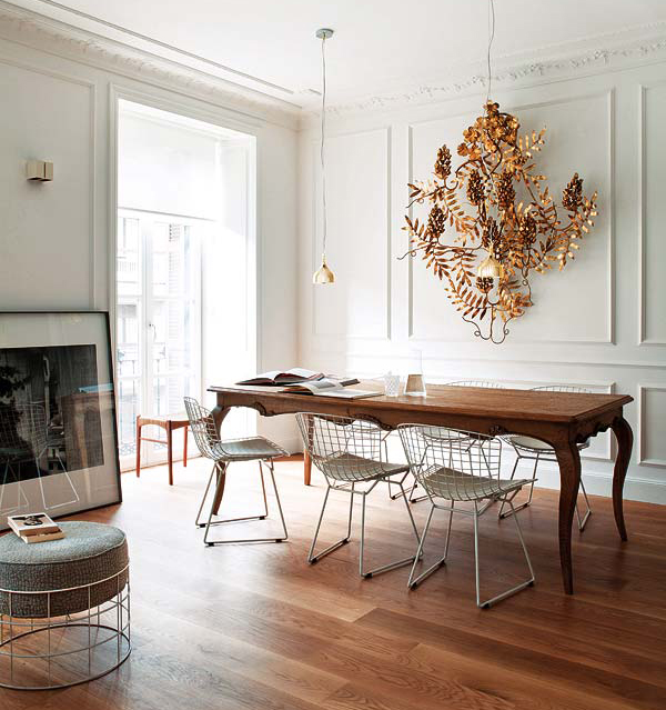 dining-room-wood-table-Bertoia-chairs-Mikel-Irastorza-Nuevo-Estilo.jpg