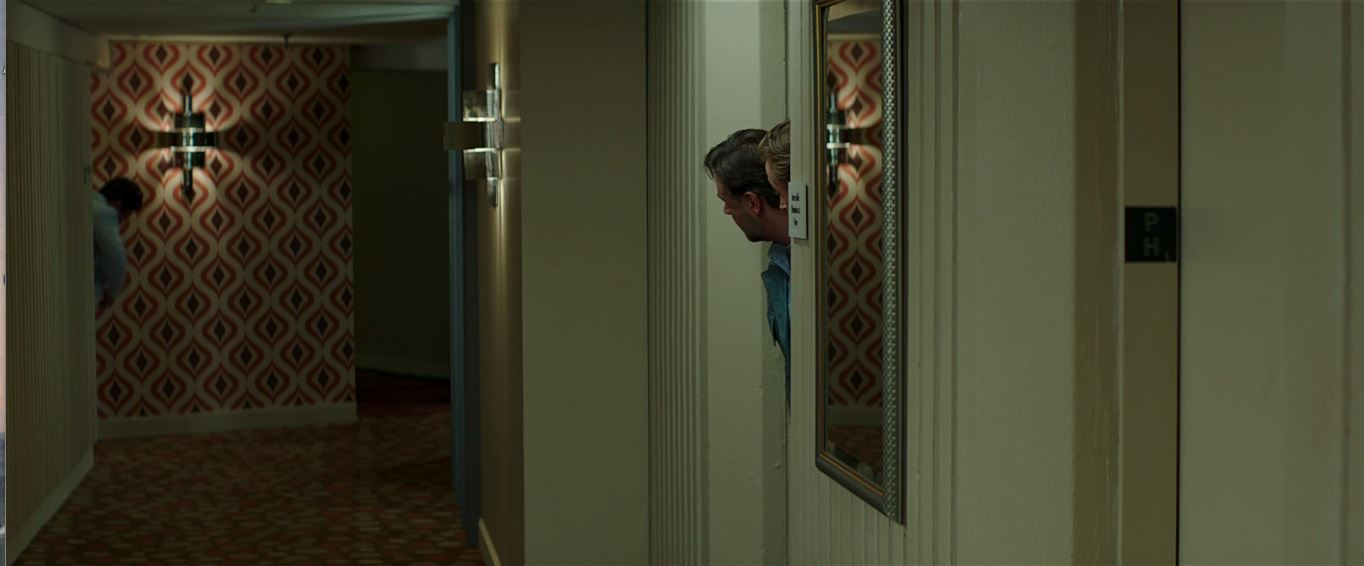 The Nice Guys (2016) - A hotel hallways that is OBVIOUSLY in the 70s