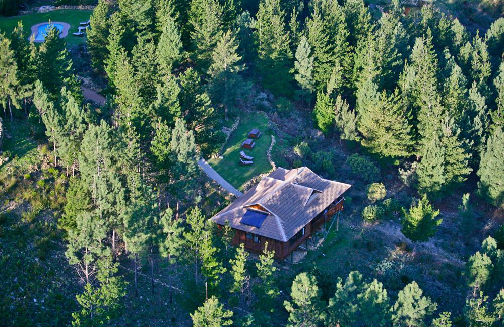Ezantsi Lodge and its garden