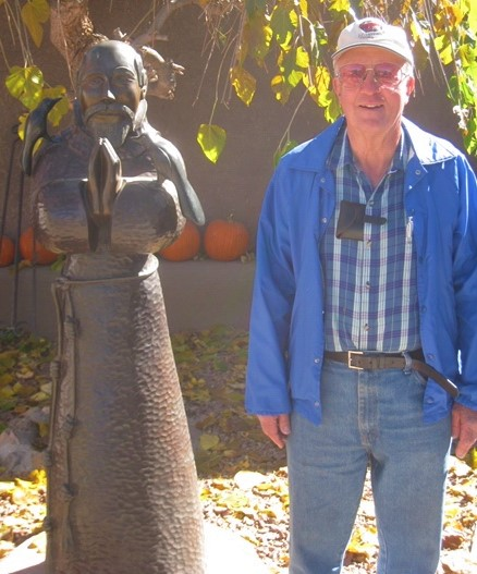 Frank and statue.jpg