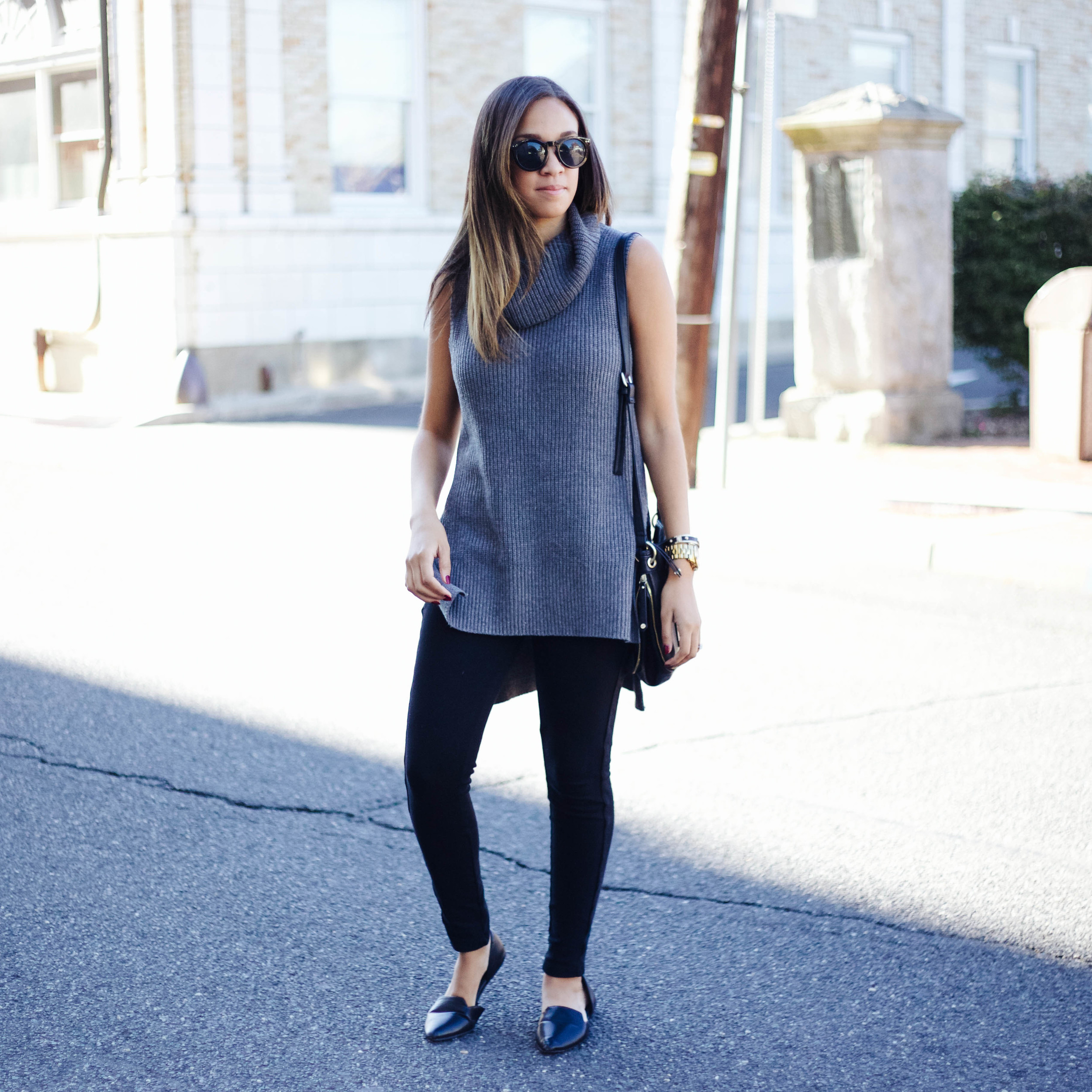 Grey Sleeveless Turtleneck 1.jpg
