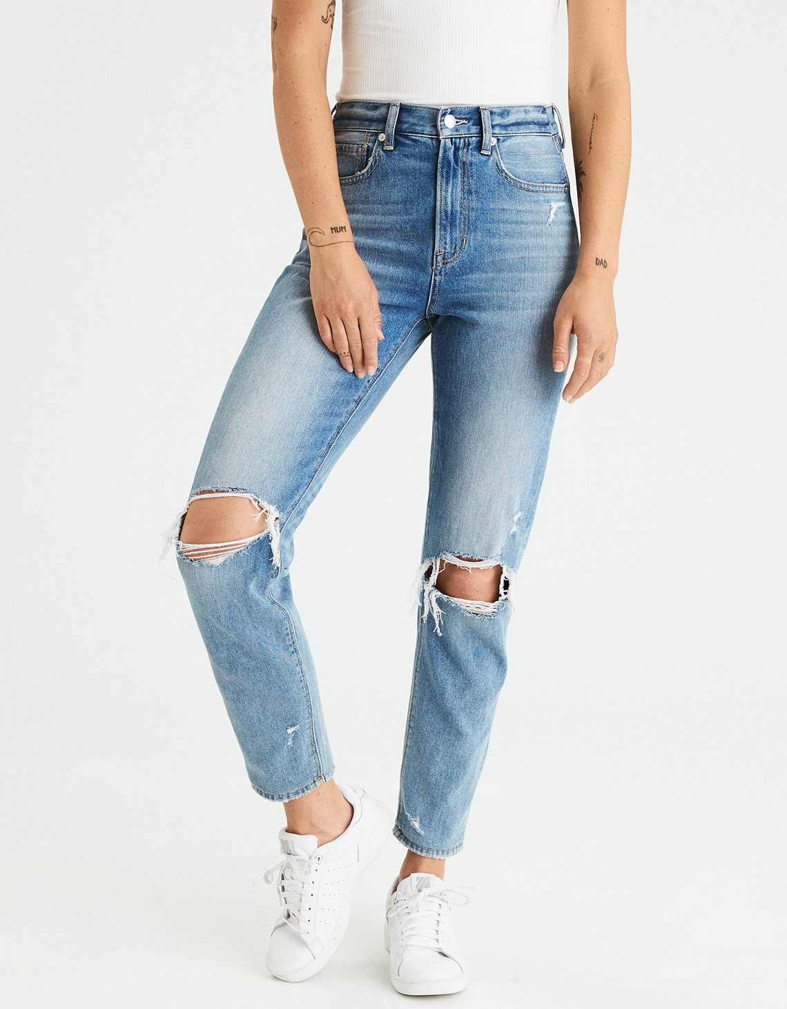 AMERICAN EAGLE MOM JEANS -