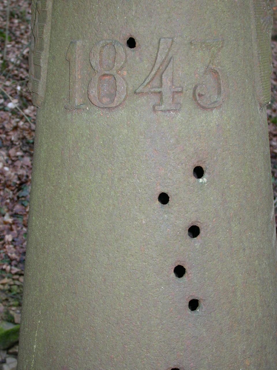 LB 114 date detail.JPG