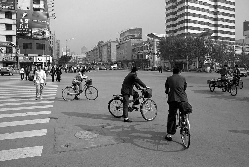 bikes at intersection 5349.jpg