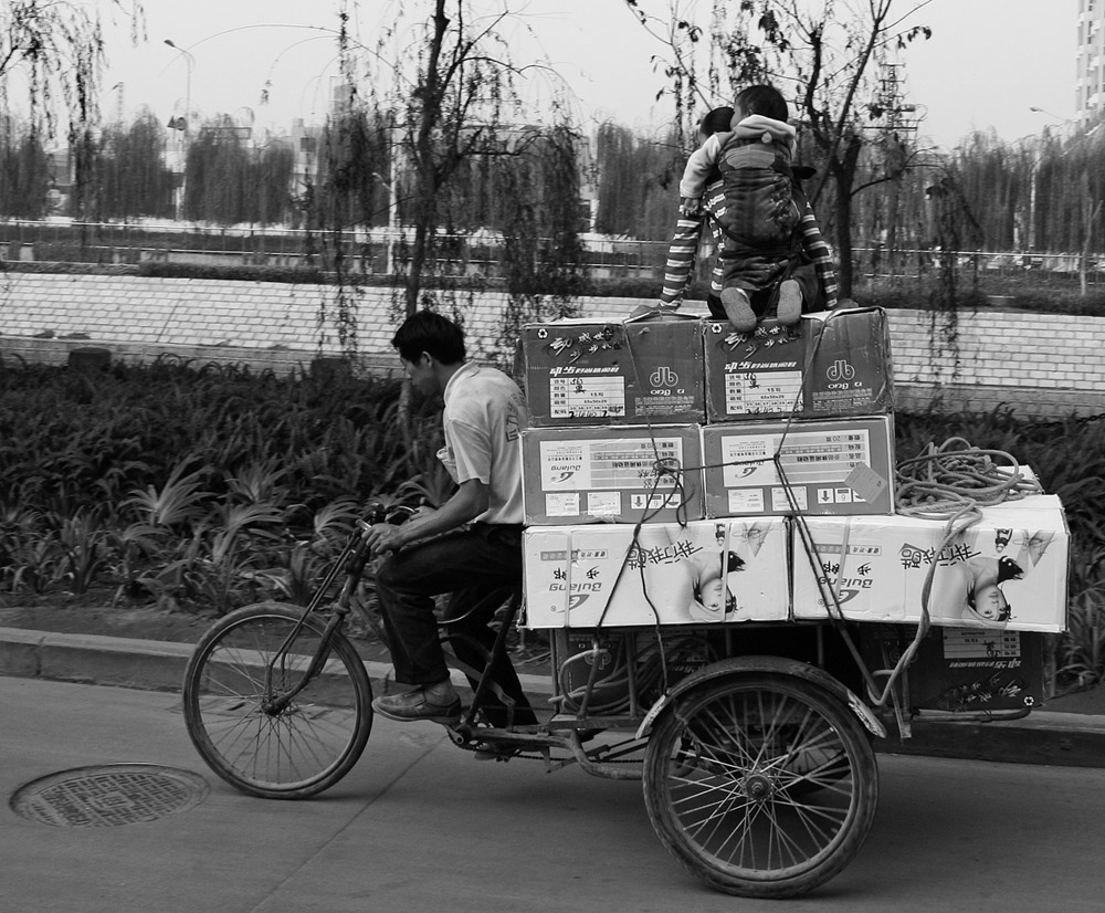 riding on boxes 5310.jpg