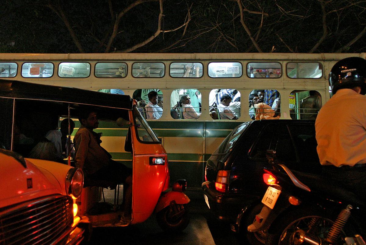 night traffic bus and cars 5104.jpg