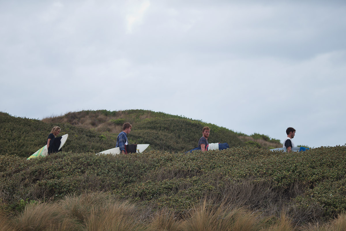 cloudy bay surfers 4322.jpg