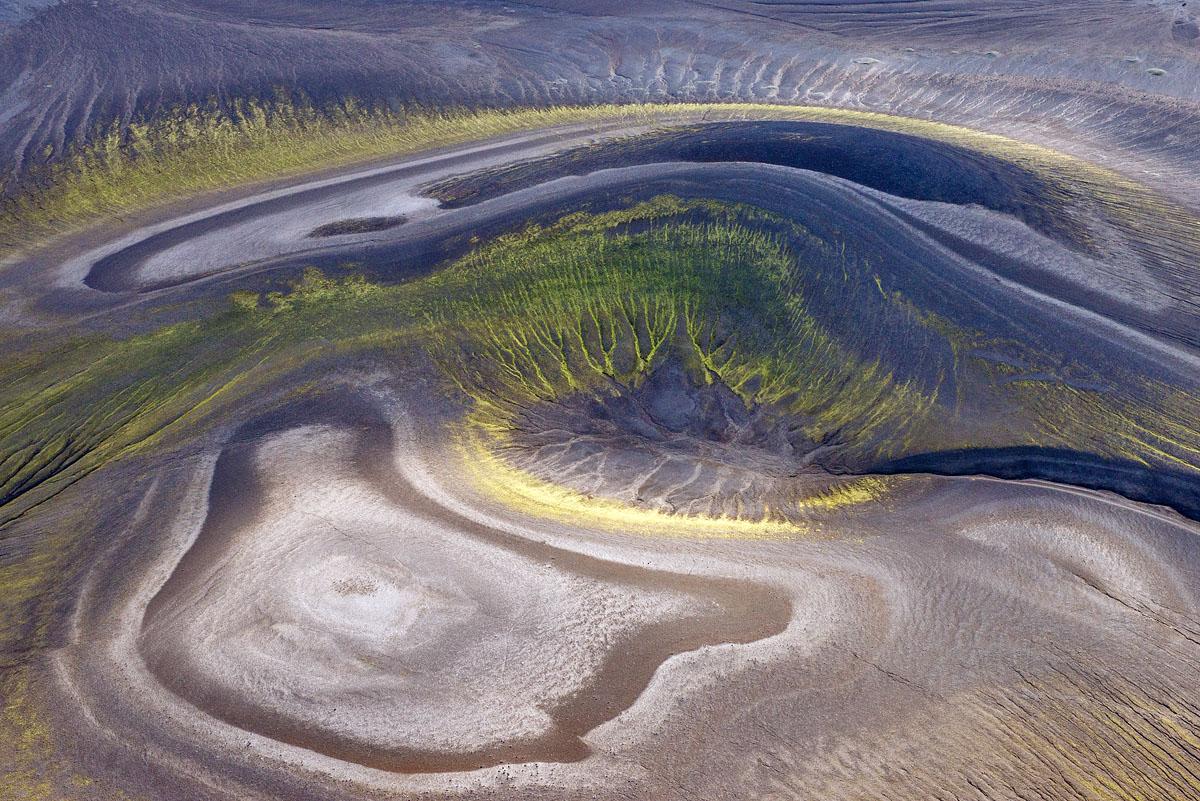 volcanic mound 5040.jpg