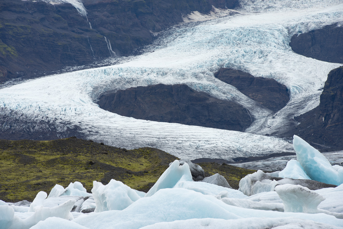 iceland glacier and bergs 4021.jpg