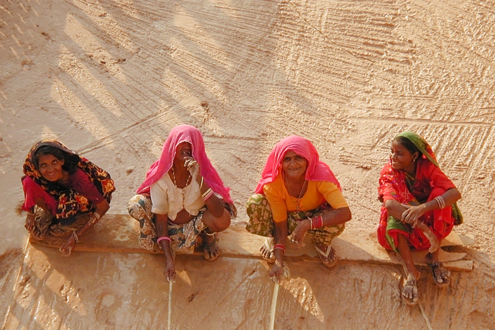 women workers 3147.jpg