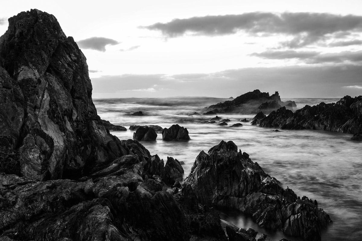 coastal rock peak bw 6217.jpg