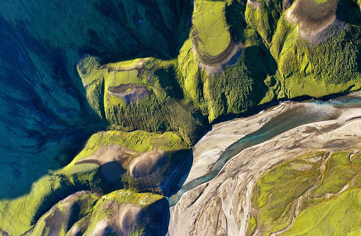 aerial quarter valley sm 4858.jpg