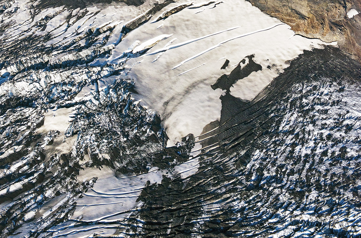 aerial lava snow face sm 4731.jpg