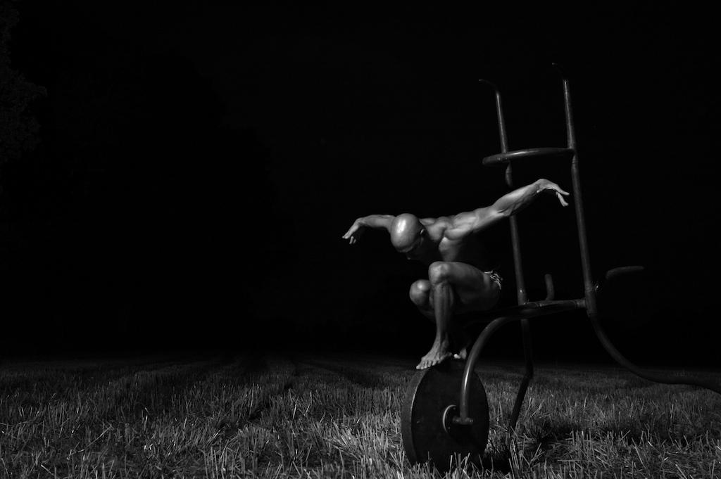 Hand Balancer | Trainer   Luis Sarabia