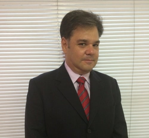 Paulo Penha,  Equity Valuation