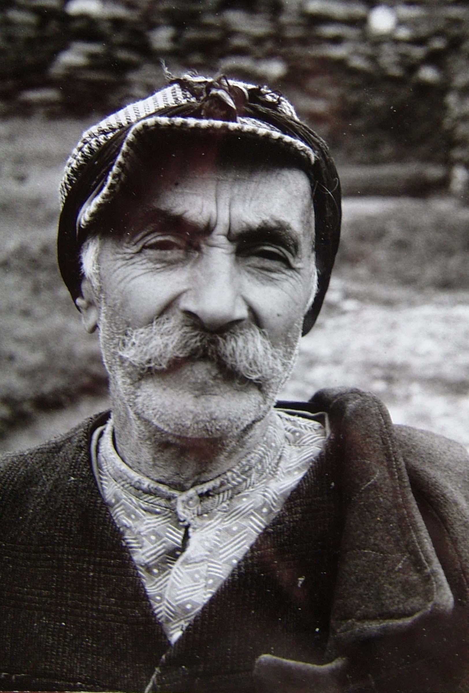 andros farmer  photo: m.karagatsi