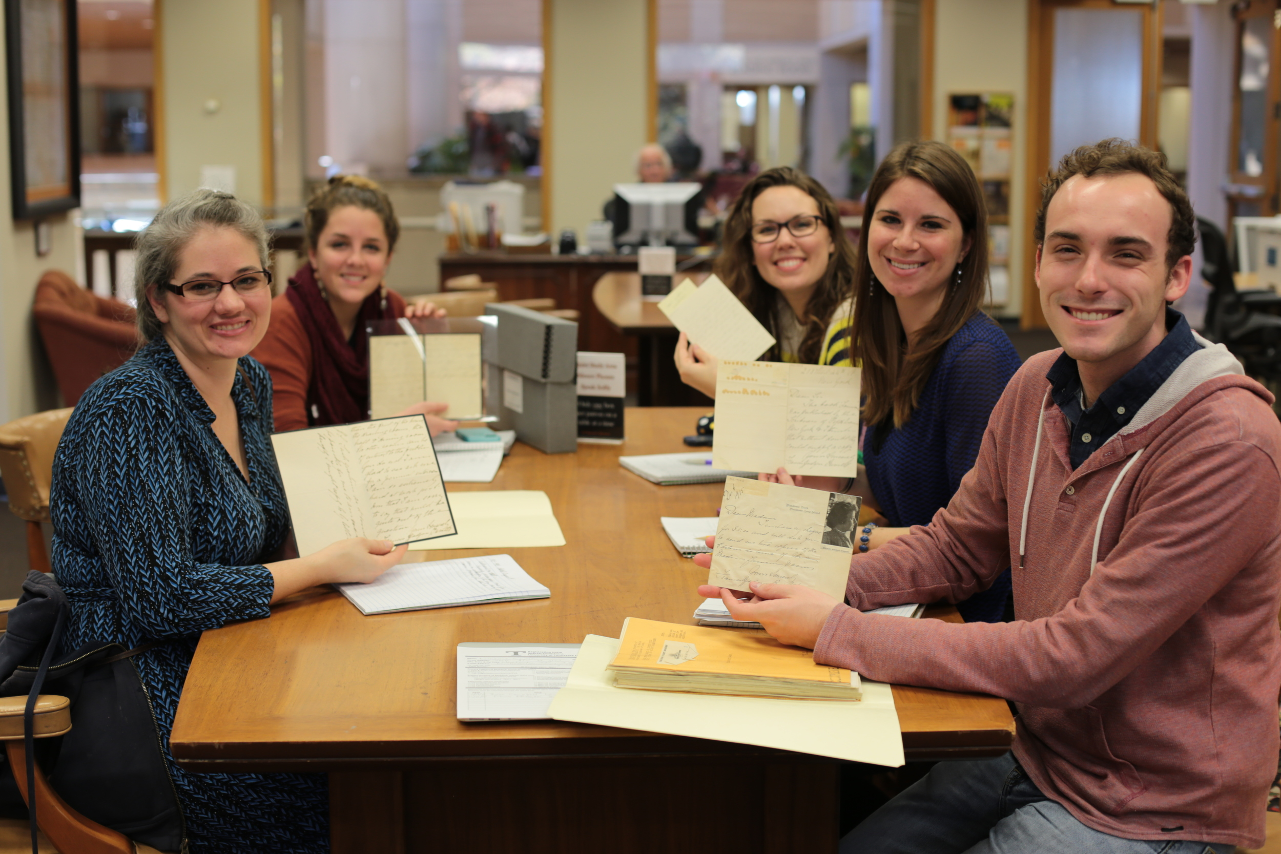 Five Lee University students with Burnett letters at the University of Tennessee - Knoxville.