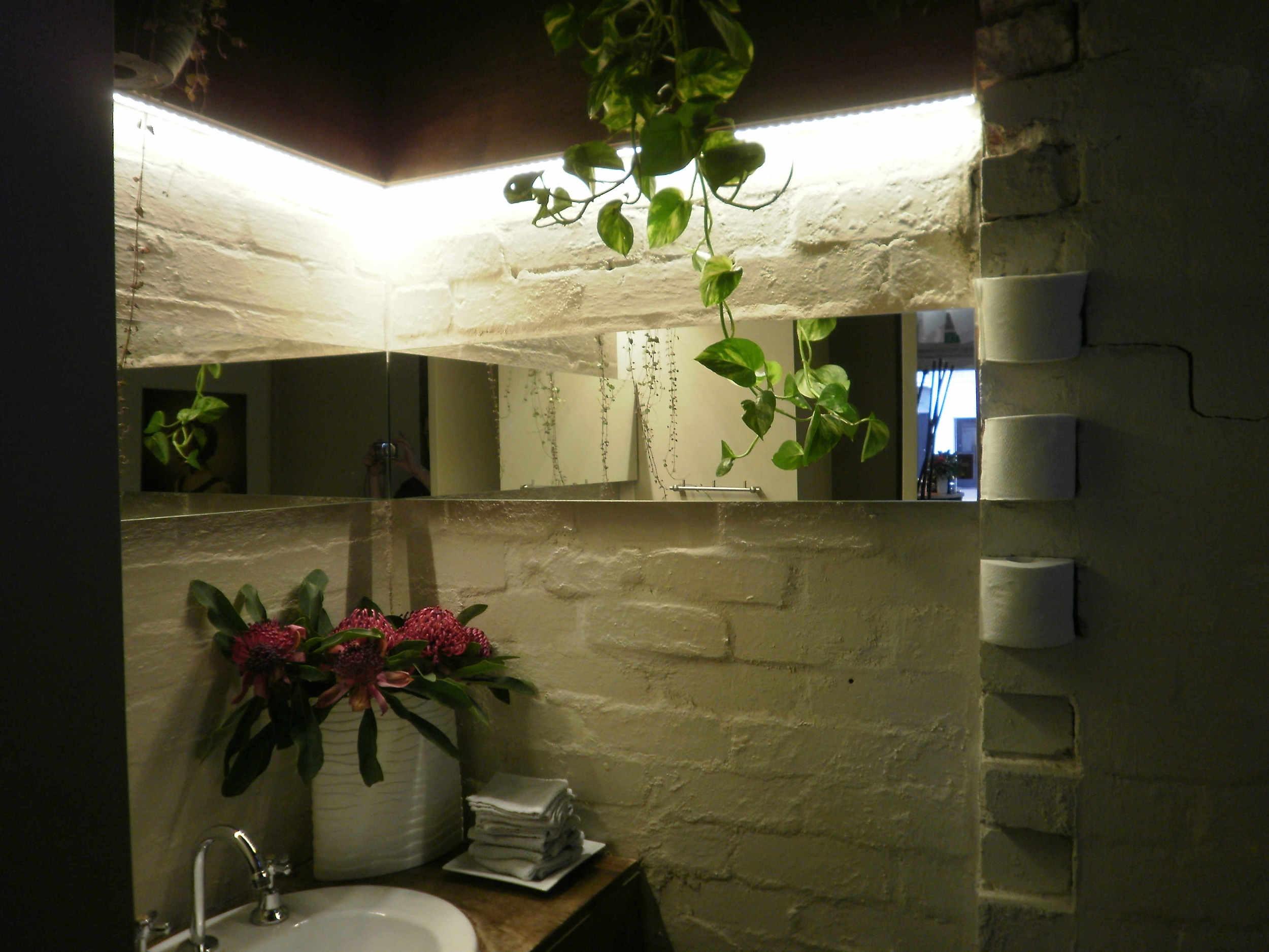 zedi bathroom after web light 1.jpg