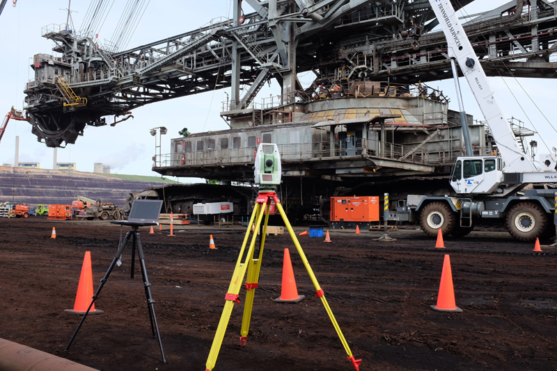 Deformation measurement and analysis of large mining equipment.
