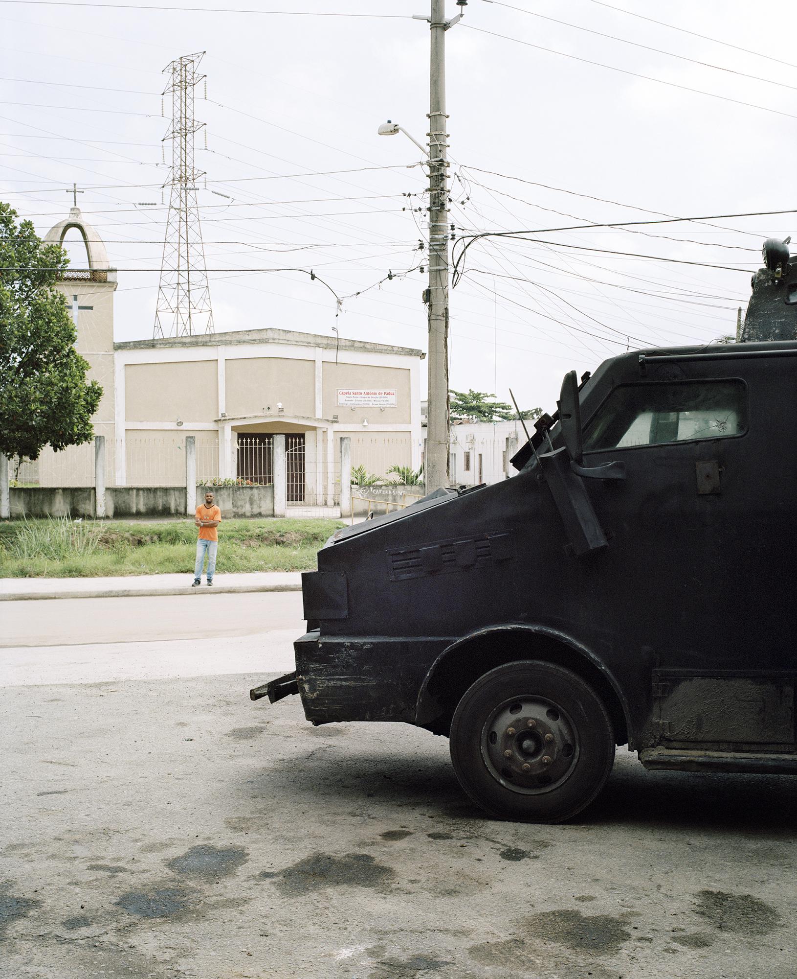 7Police_truck.jpg
