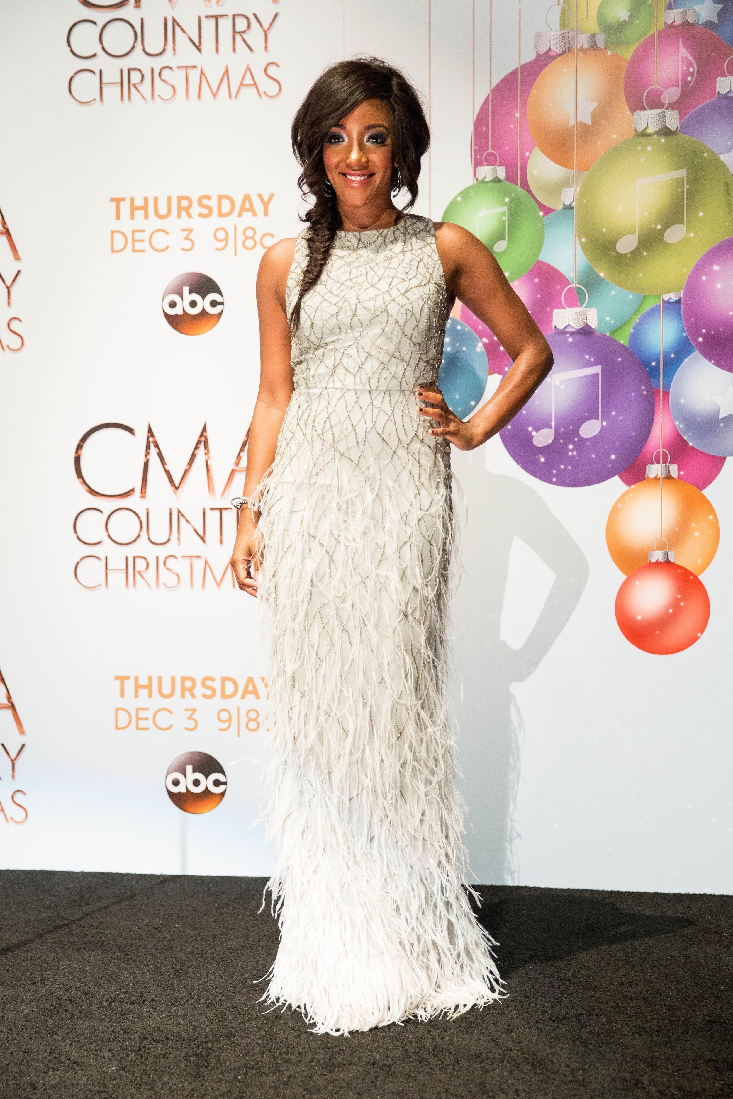 2015 CMA Country Christmas